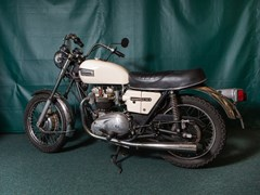 Navigate to Lot 201 - 1973 Triumph Bonneville 750 T140