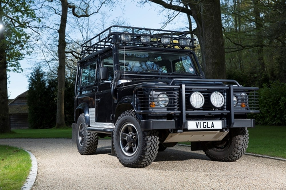 Lot 233 - 2001 Land Rover Defender 90 County Td5