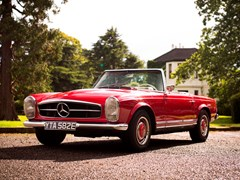 Navigate to Lot 174 - 1967 Mercedes-Benz 230 SL Pagoda