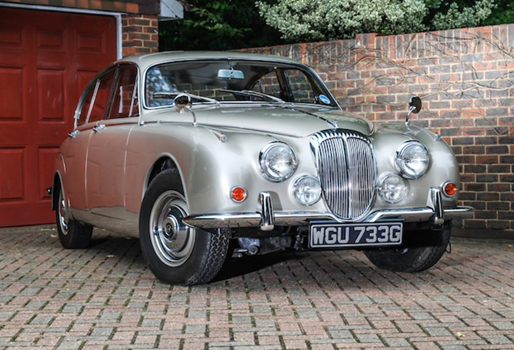 Lot 107 - 1968 Daimler 250 Saloon (V8)