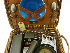 Navigate to Wicker picnic set