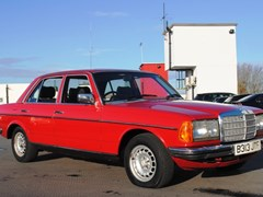 Navigate to Lot 301 - 1985 Mercedes-Benz 280E to 300D Specification