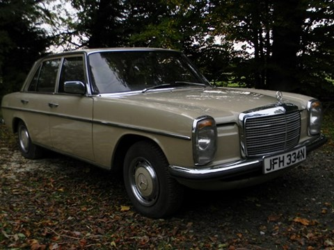 1975 Mercedes-Benz 200 saloon