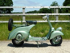 Navigate to Lot 333 - 1951 Vespa V31T