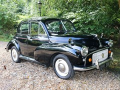 Navigate to Lot 323 - 1953 Morris Minor Four- Door Saloon