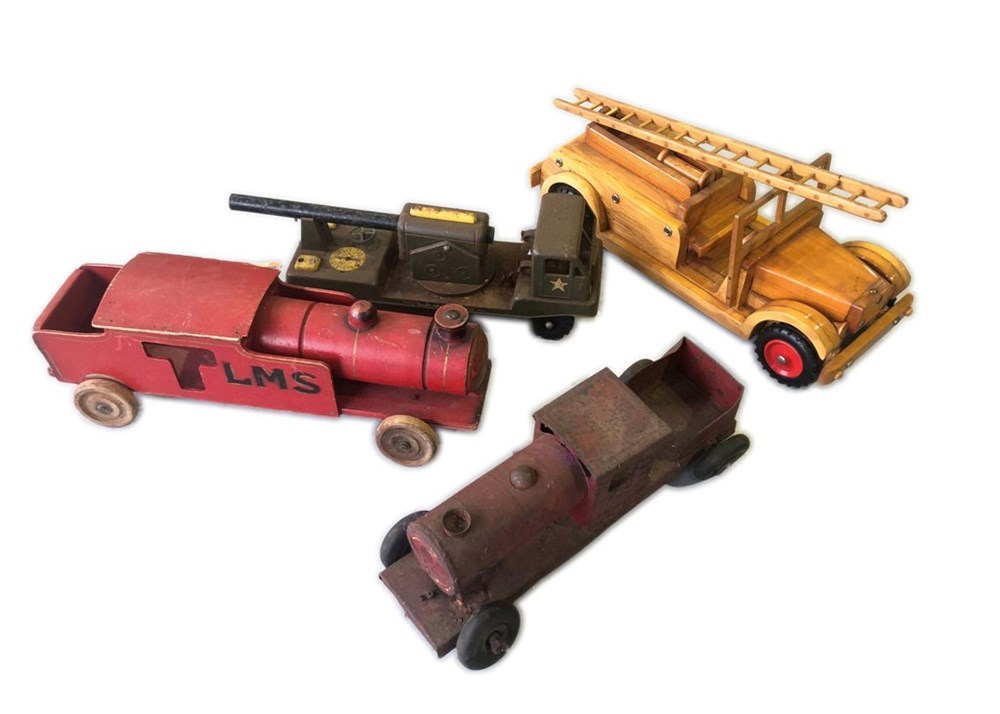 Lot 98 - A selection of two tin trains ...