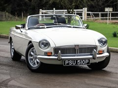 Navigate to Lot 237 - 1976 MG B Roadster