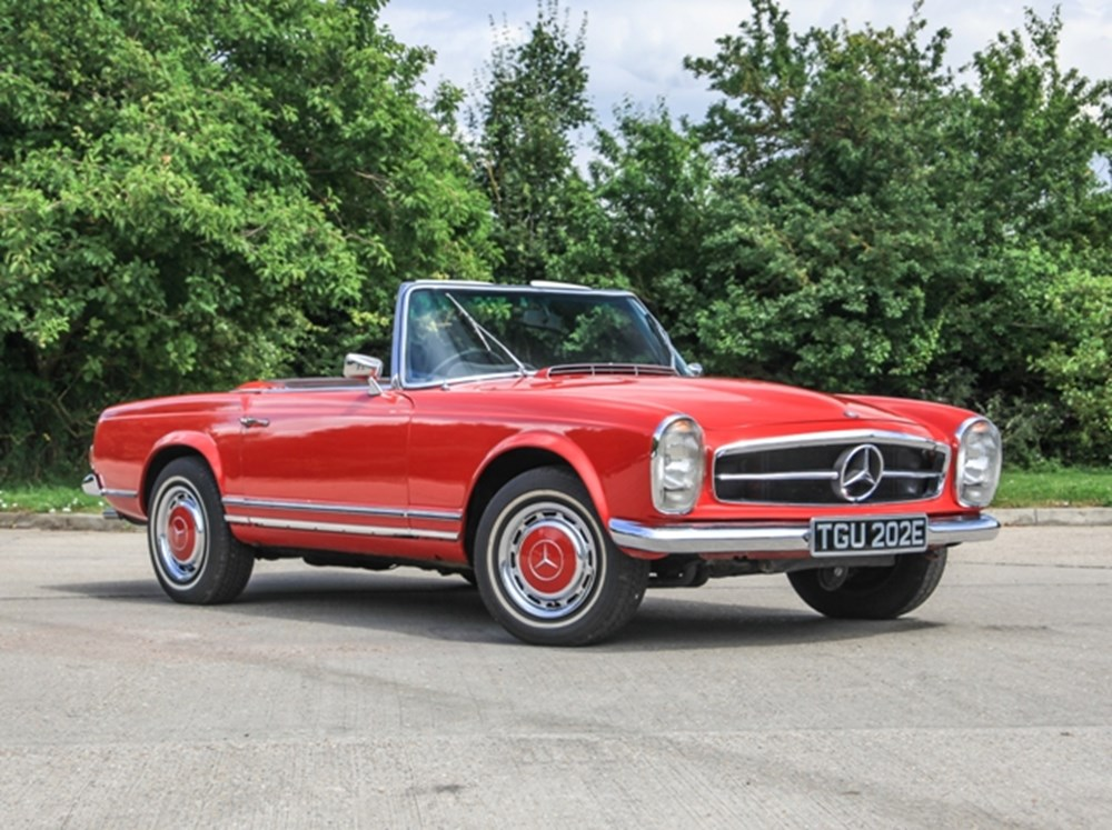 Ref 77 1967 mercedes benz 230 sl pagoda for Mercedes benz financial phone number