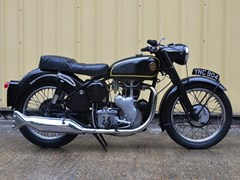 Navigate to Lot 359 - 1960 Velocette MSS