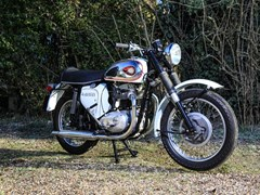 Navigate to Lot 101 - 1970 BSA 650 Thunderbolt