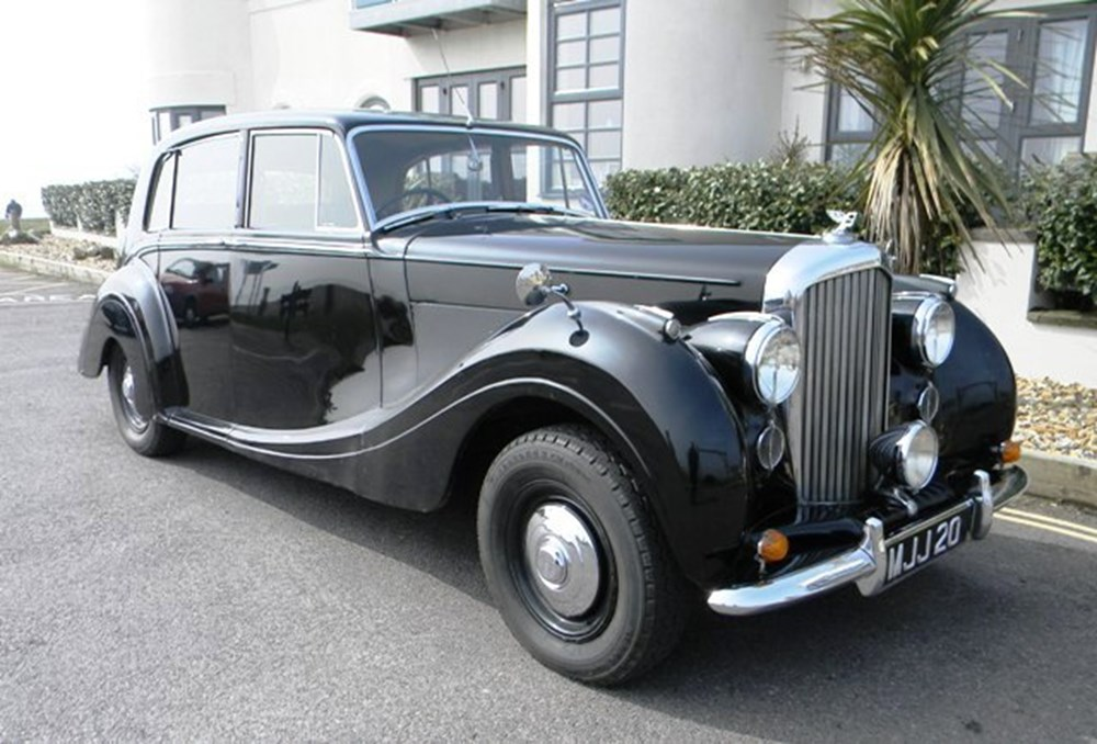 Lot 329 - 1951 Bentley Mk. VI Saloon by HJ Mulliner