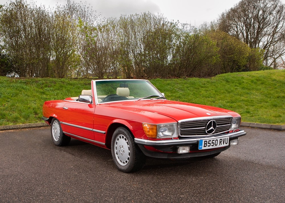 Lot 128 - 1984 Mercedes-Benz 500 SL Roadster