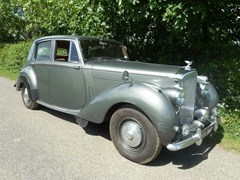 Navigate to Lot 302 - 1952 Bentley Mk. VI Standard Steel Saloon