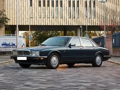 Navigate to Lot 391 - 1991 Daimler (4.0 litre)