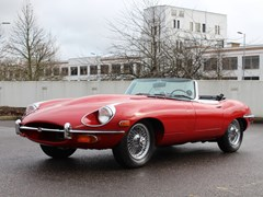 Navigate to Lot 211 - 1969 Jaguar E-Type Series II Roadster (4.2 litre)