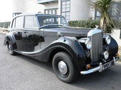 Navigate to Lot 329 - 1951 Bentley Mk. VI Saloon by HJ Mulliner