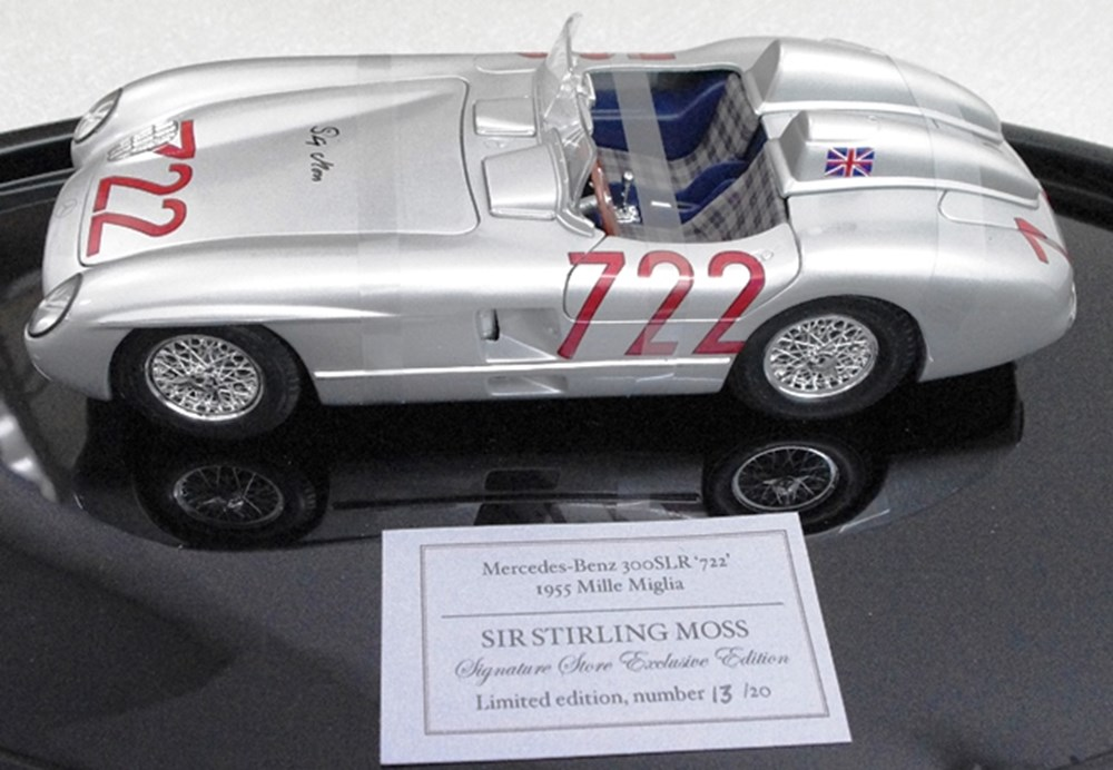 Lot 117 - Mercedes-Benz 300 SLR Model