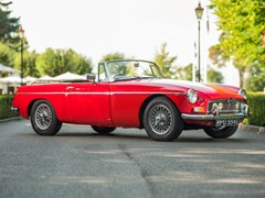 Navigate to Lot 240 - 1964 MG B Roadster