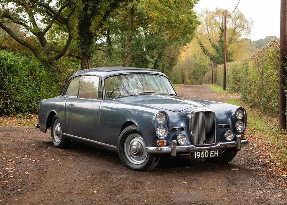 Lot 290 - 1964 Alvis TE21 Saloon Series III by Mulliner Park Ward