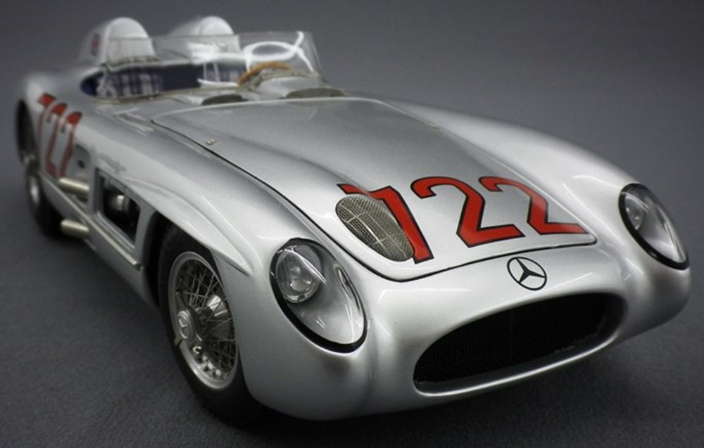 Lot 67 - Mercedes-Benz 300 SLR