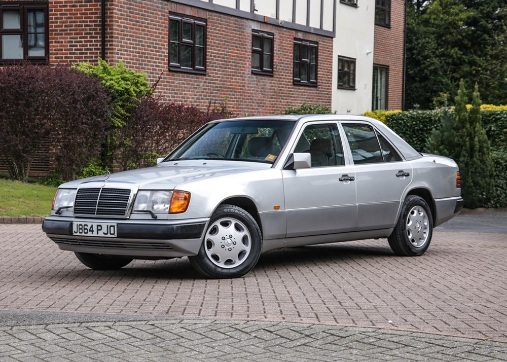 Lot 268 - 1992 Mercedes-Benz 260 E