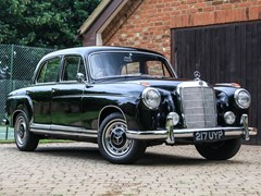 Navigate to Lot 302 - 1959 Mercedes-Benz 220 S Ponton
