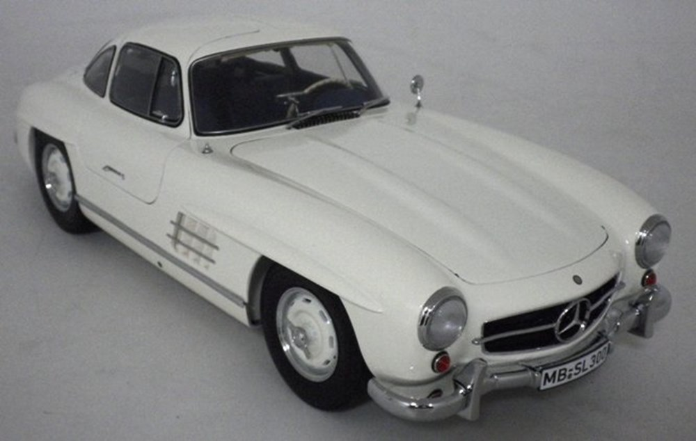 Lot 067 - Mercedes-Benz 300 SL Model