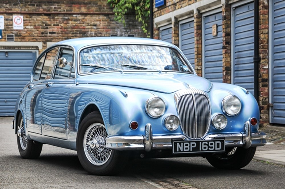 Lot 309 - 1966 Daimler 250 Saloon (V8)