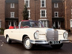 Navigate to Lot 291 - 1963 Mercedes-Benz 220SEb Convertible