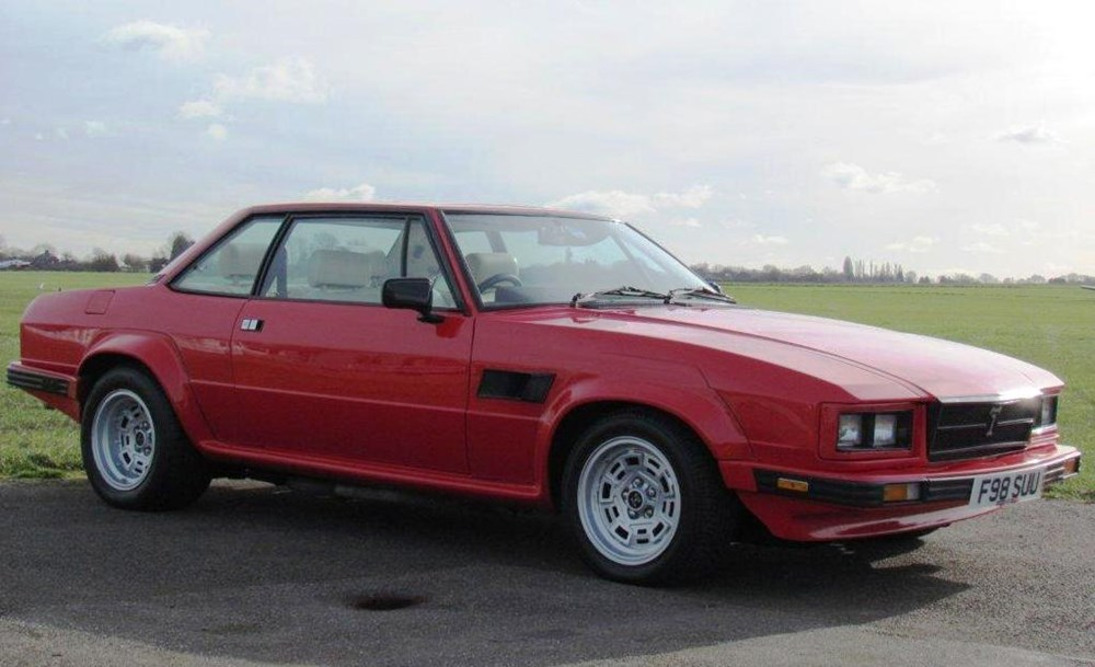 Lot 252 - 1988 De Tomaso Longchamp GTSE