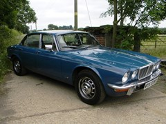 Navigate to Lot 304 - 1978 12947 XJ6 Series II 4.2 Litre