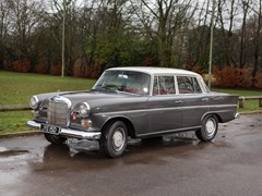 Navigate to Lot 253 - 1966 Mercedes-Benz 230 Saloon