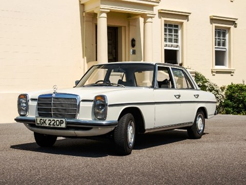 REF 37 1975 Mercedes-Benz 200 Saloon