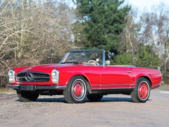Navigate to Lot 263 - 1966 Mercedes-Benz 230 SL Pagoda