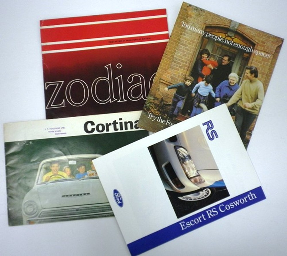 Lot 010 - Ford vehicle brochures