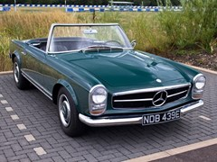 Navigate to Lot 284 - 1967 Mercedes-Benz 230 SL Pagoda