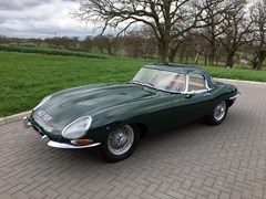 Navigate to Lot 229 - 1961 Jaguar E-Type Series I Roadster 'Flat Floor'