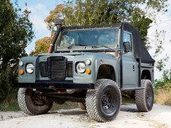 Navigate to Lot 185 - 1994 Land Rover Defender 90 - 'The Man from U.N.C.L.E.'