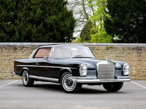 Ref 101 1965 Mercedes-Benz 220 SE Coupé