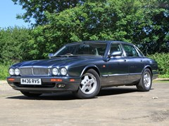 Navigate to Lot 222 - 1994 Jaguar XJ6 Saloon