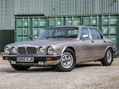 Navigate to Lot 274 - 1988 Daimler Double-Six