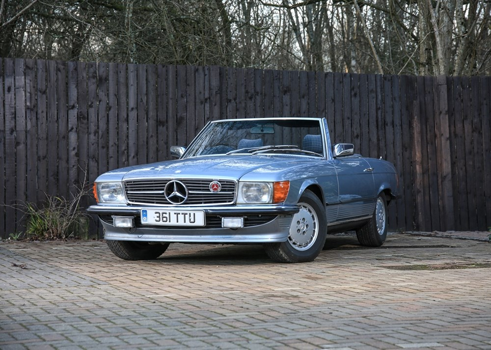 Lot 355 - 1983 Mercedes-Benz SL 380 Roadster