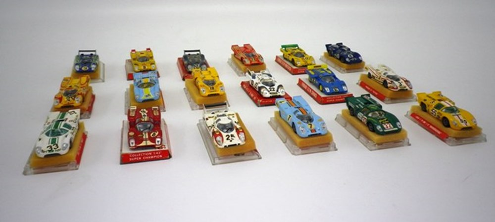 Lot 28 - 18 die-cast model competition cars