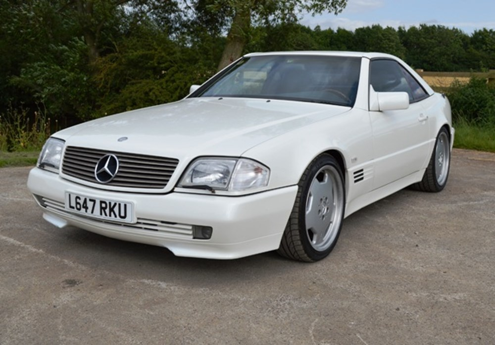 Lot 245 - 1994 Mercedes-Benz SL500