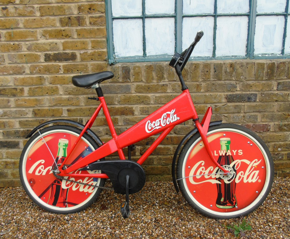 Lot 21 - A selection of Coca Cola Coke collectables ...