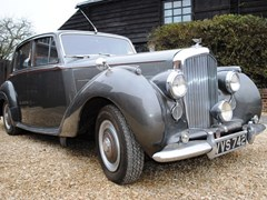 Navigate to Lot 261 - 1953 Bentley R-Type Standard Steel Saloon
