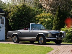 Navigate to Lot 233 - 1968 Mercedes-Benz 280 SL Pagoda