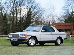 Navigate to Lot 352 - 1985 Mercedes-Benz 230 CE