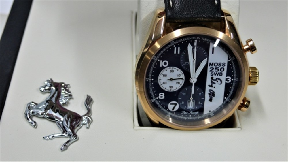 Lot 109 - Ferrari watch