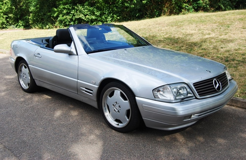 Lot 209 - 2000 Mercedes-Benz SL 320